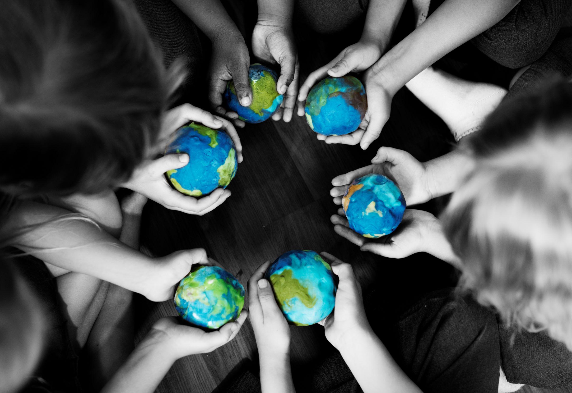 Sólo podemos ayudar a los niños si primero nos ayudamos a nosotros mismos.